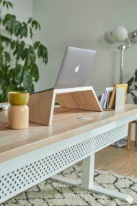 stehpult-laptop